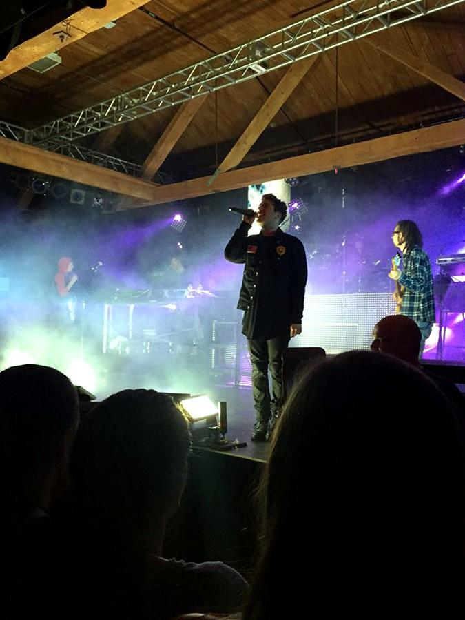 Hoodie+Allen+performing+his+song+%22King+to+Me%22+towards+the+end+of+the+show.